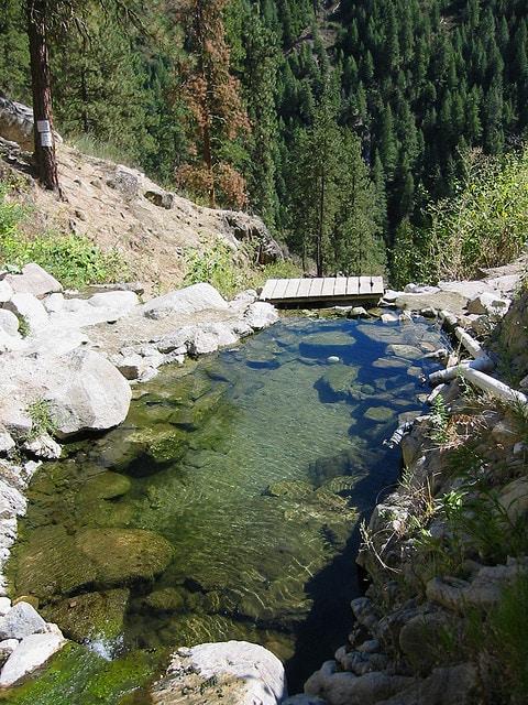 Skinnydipper-hot-springs