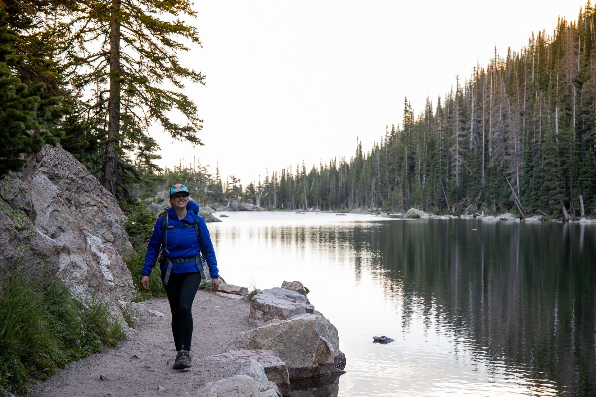 Solo Hiker //  Have you let your fear of hiking alone keep you indoors? Conquer those fears on your first solo hike with these tips to stay safe & feel confident.