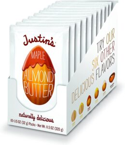 Justin's Nut Butters // Simple lightweight backpacking food ideas from breakfast to dinner. These are delicious, easy to prepare & require little cleanup.