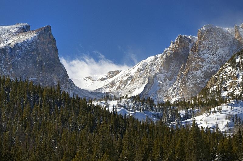 best-snowshoeing-destinations-rocky-mountains-colorado