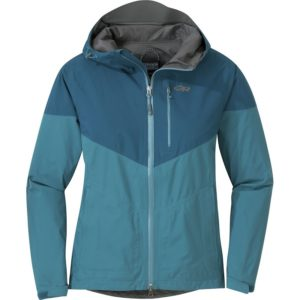Outdoor Research Aspire rain jacket //  Not sure what to wear hiking? Learn how to dress for both function & comfort on the trail with this women's best hiking clothes guide.