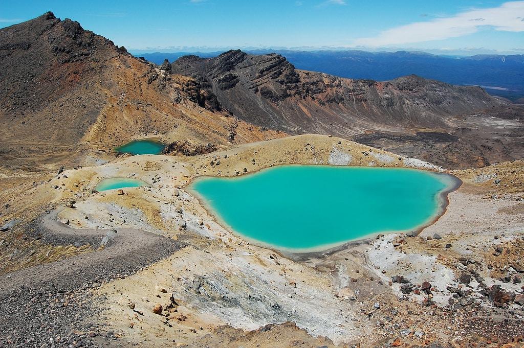 New Zealand Bucketlist: Hike the Tongariro Alpine Crossing