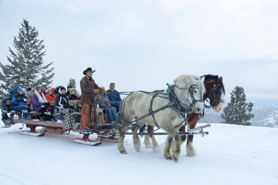 Things to do in Idaho during Winter besides skiing: Ride in a horse-drawn sleigh to dinner