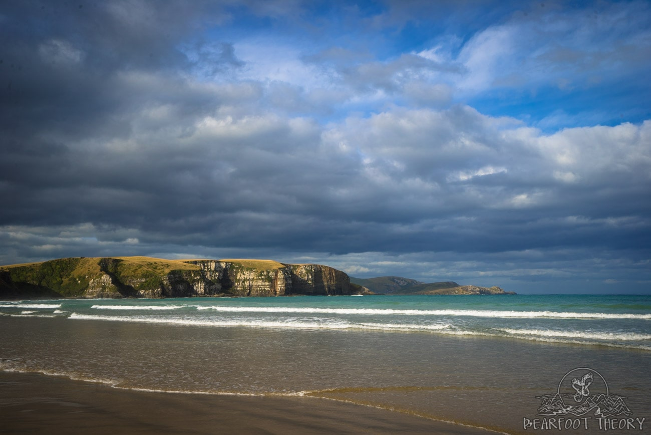 Road trip through the Catlins in New Zealand: the beach at Jack's Blowhole