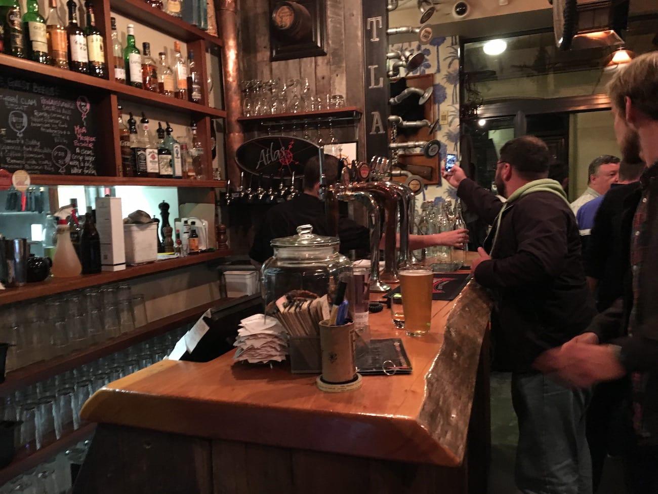 New Zealand Road Trip: Atlas Pub in Queenstown