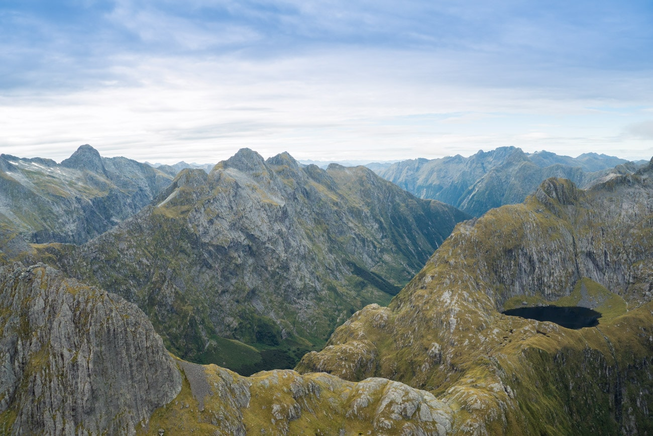Flying above New Zealand's Fiordlands National Park with Te Anau's Southern Lakes Helicopters