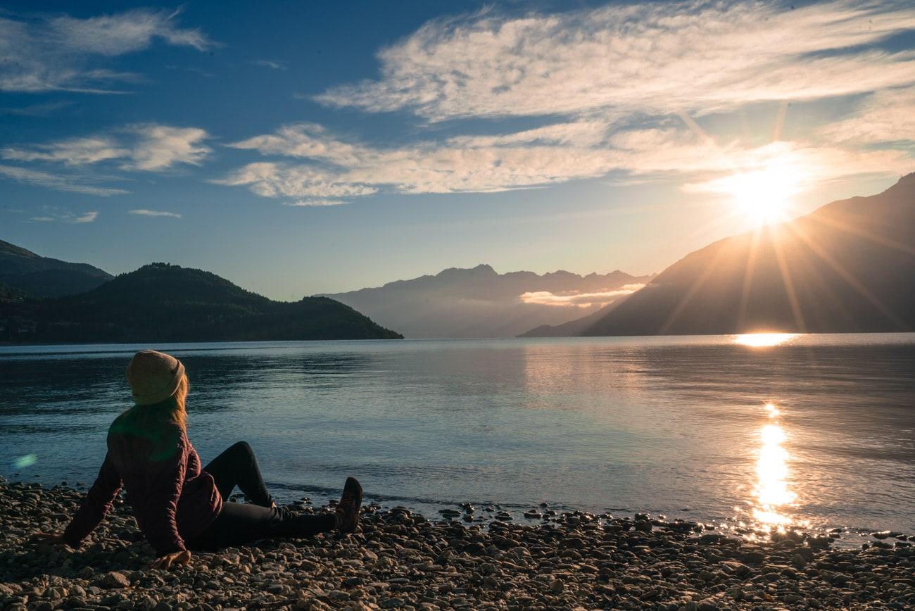 Queenstown travel tips: Watch the sunrise over Lake Wakatipu