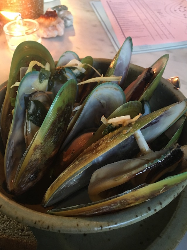 Queenstown travel tips: Green lipped mussels at the Sherwood Hotel