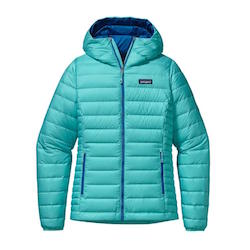 Patagonia Down Sweater // Need a new down jacket? Here are the best down jackets of 2020, plus everything you need to know about down, so you invest in the best one for your money.