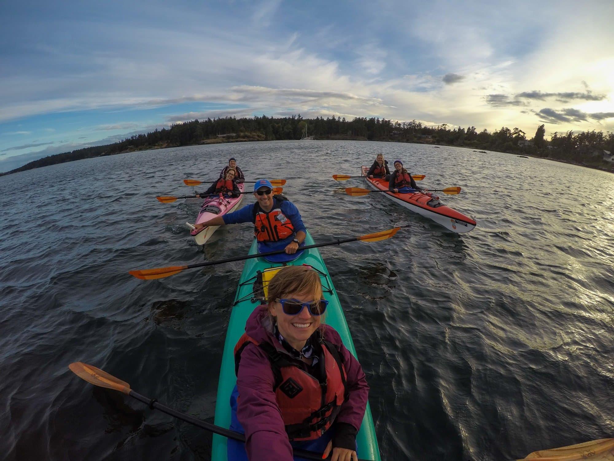 San Juan Islands Kayaking // Learn what to wear kayaking in this blog post