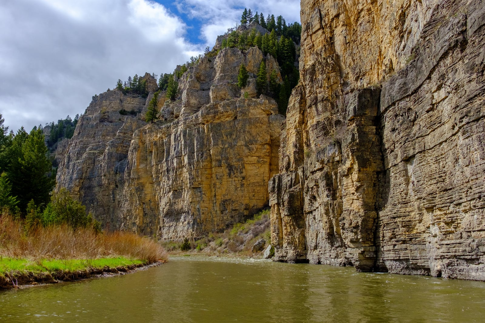 5 of the best Montana kayaking spots that are off the beaten path: Smith River State Park