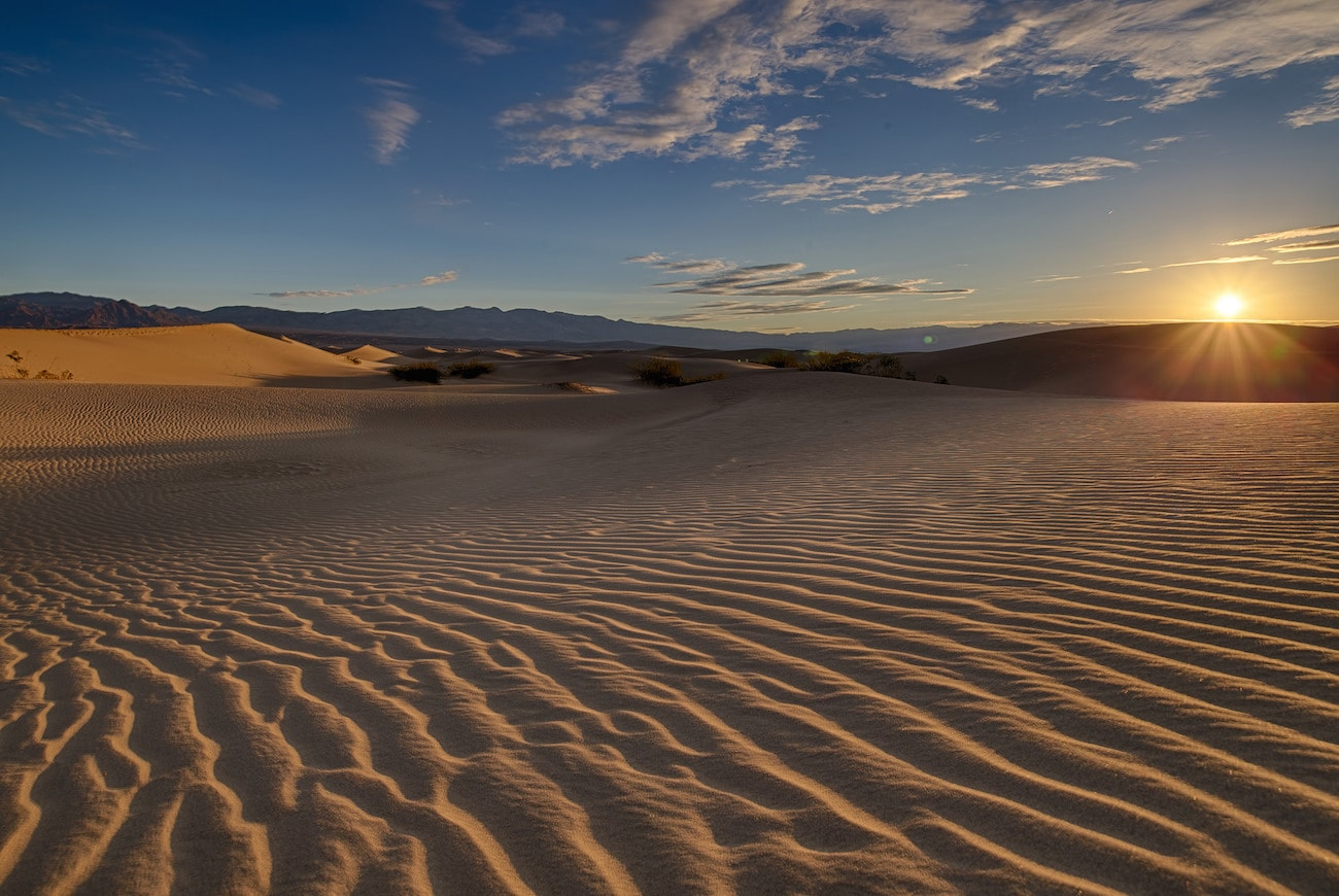 Death Valley Sand Dunes: Experience the best attractions in Death Valley with this 3-day Death Valley National Park itinerary.