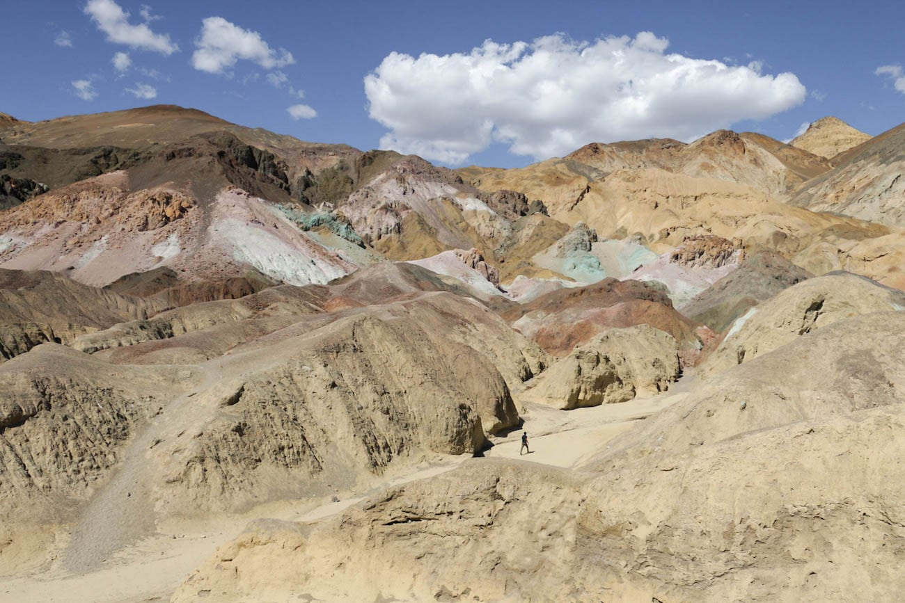 Artist's Palette // Experience the best attractions in Death Valley National Park like sand dunes and salt flats with this 3-day Death Valley itinerary.