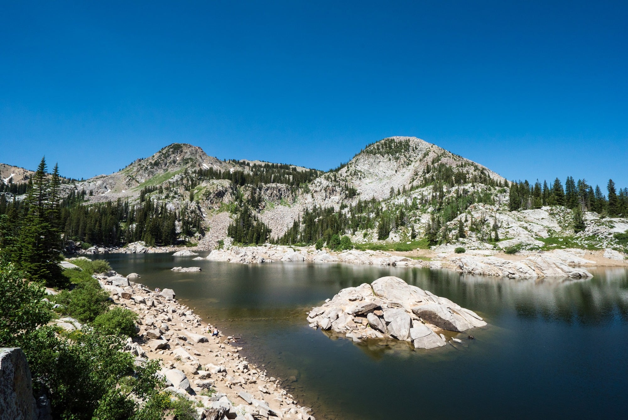 Get trail descriptions for the 5 most popular alpine lake hikes near Salt Lake City. From crystal clear water to blooming wildflowers to sweeping city views, these won't disappoint.
