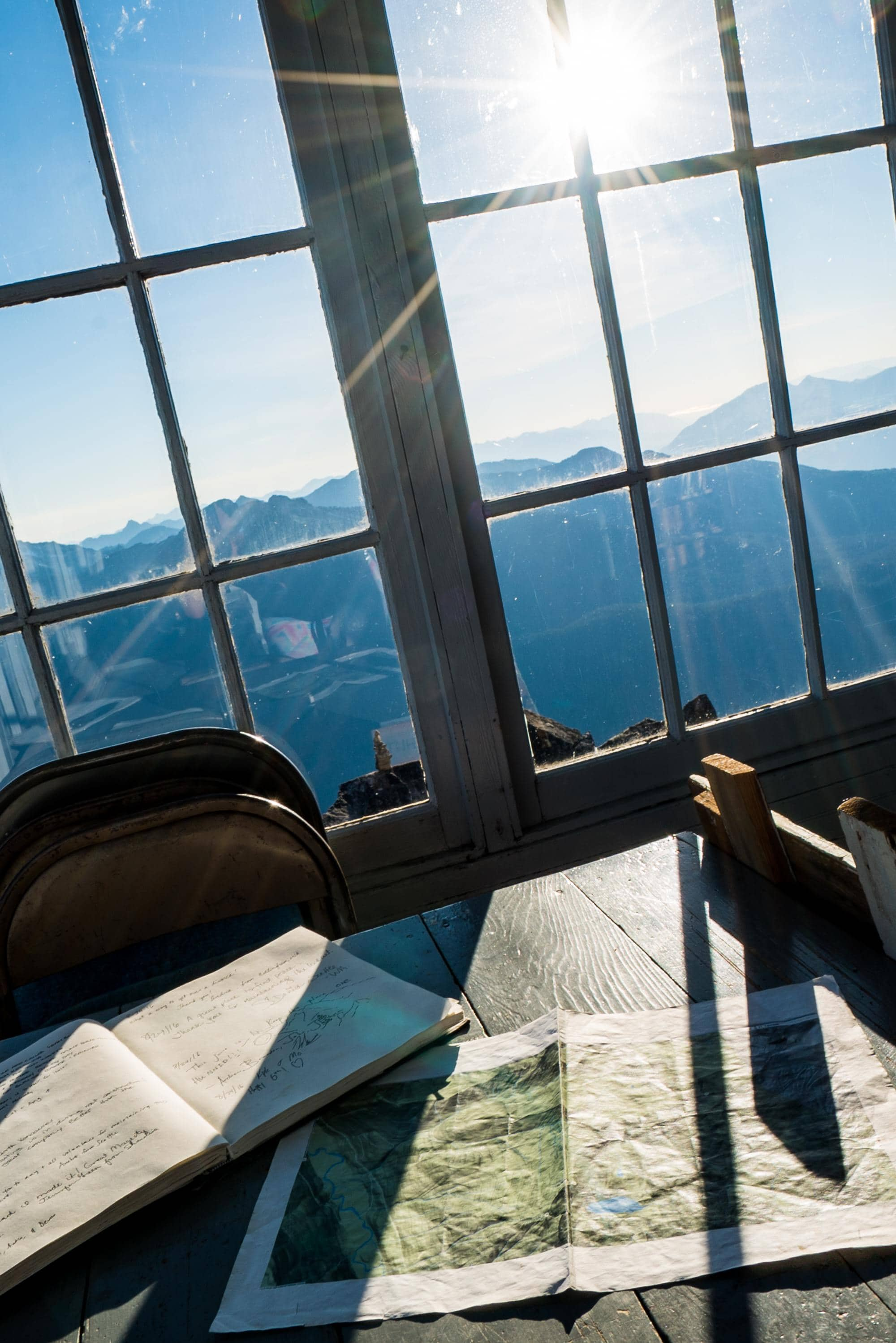 Hidden Lake Lookout is one of the best day-hikes / overnight backpacking trips in North Cascades National Park. Get our full trail guide & add this hike to your summer hiking bucketlist.
