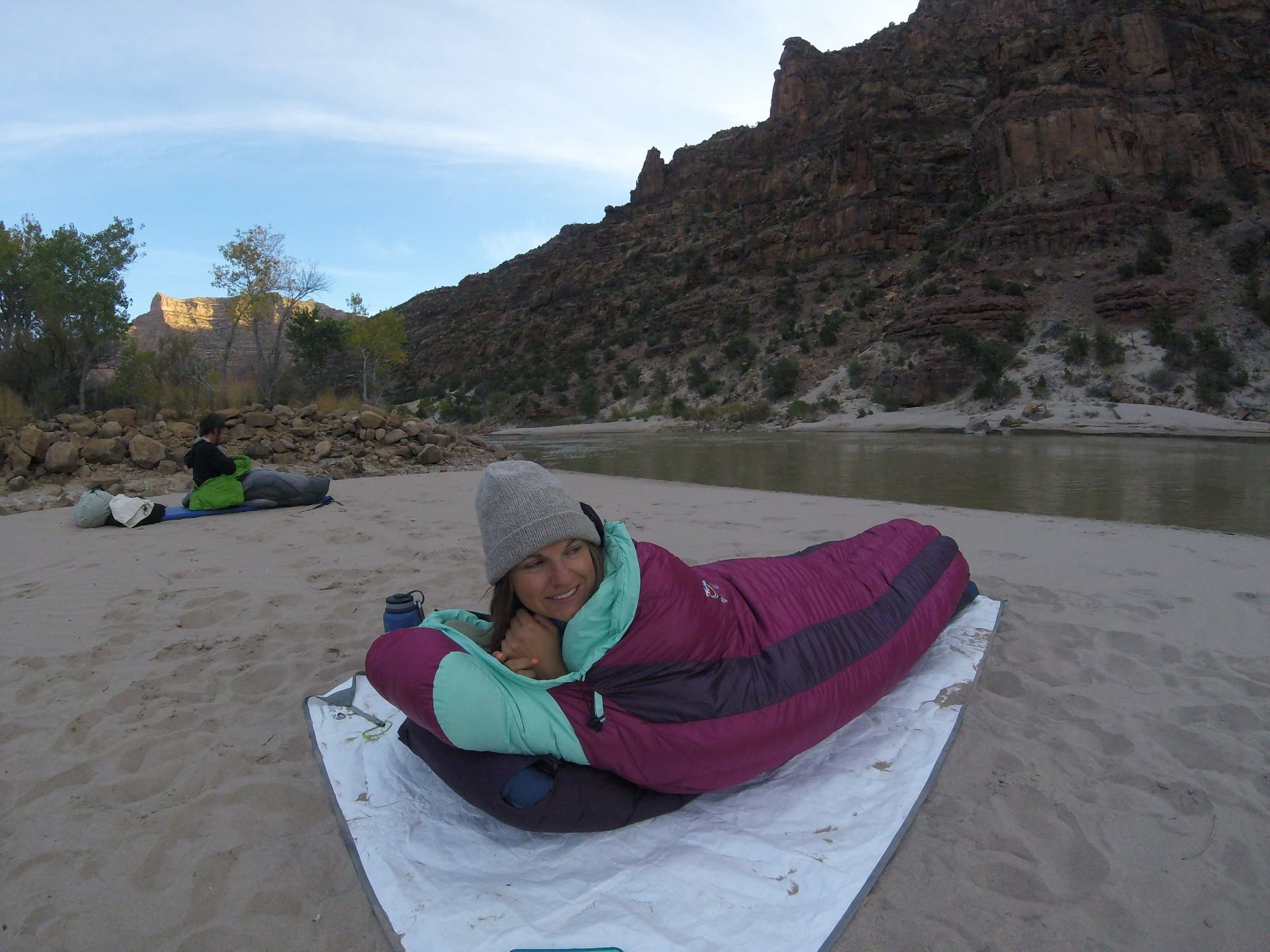Warmth to weight ratio, down vs synthetic & temperature ratings. What does it all mean? Learn how to choose the best lightweight backpacking sleeping bag for your next adventure.