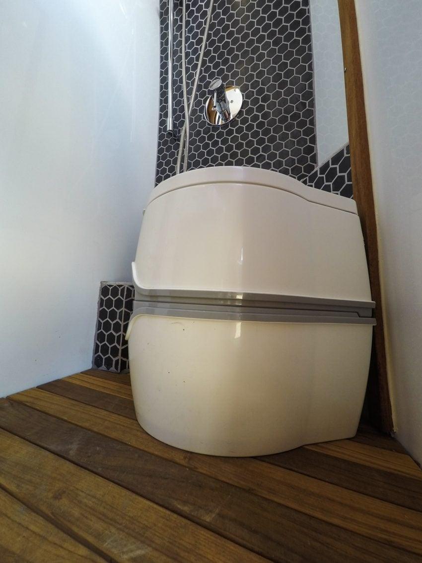 Sprinter Van porta-potti