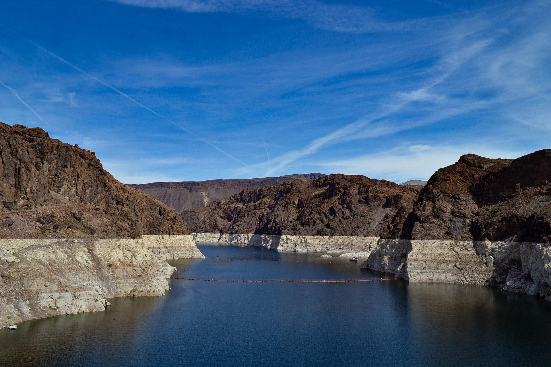 Lake Mead // Learn about the impacts of climate change on outdoor recreation & why we as outdoor enthusiasts should care about the changes happening to our environment.