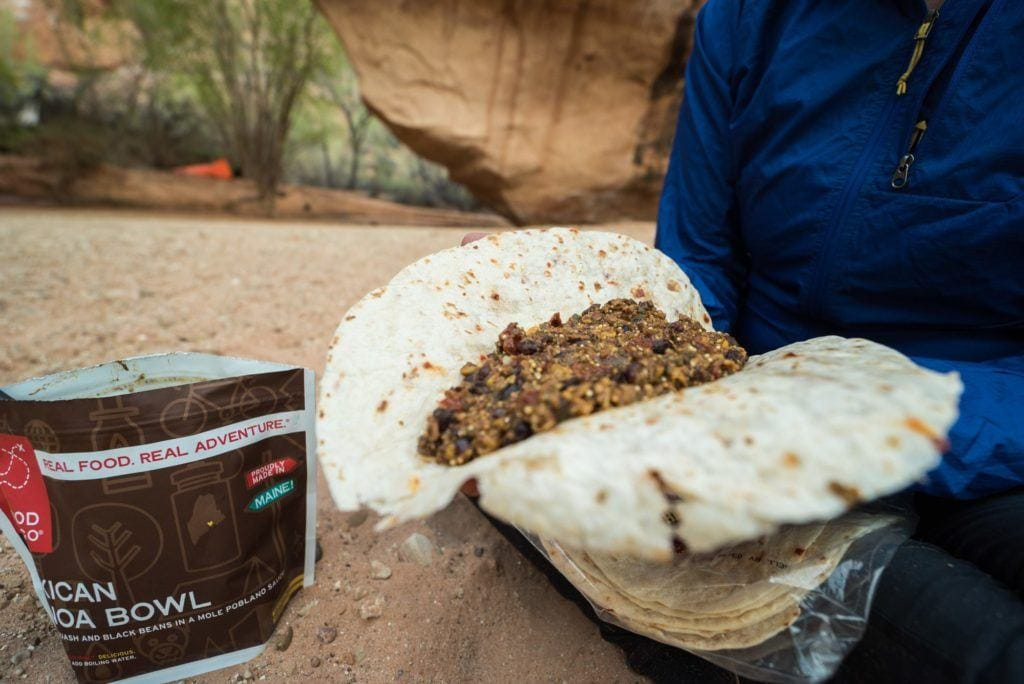 Good To-Go Backpacking Meals // Simple lightweight vegan backpacking food ideas from breakfast to dinner. These are delicious, easy to prepare & require little cleanup.