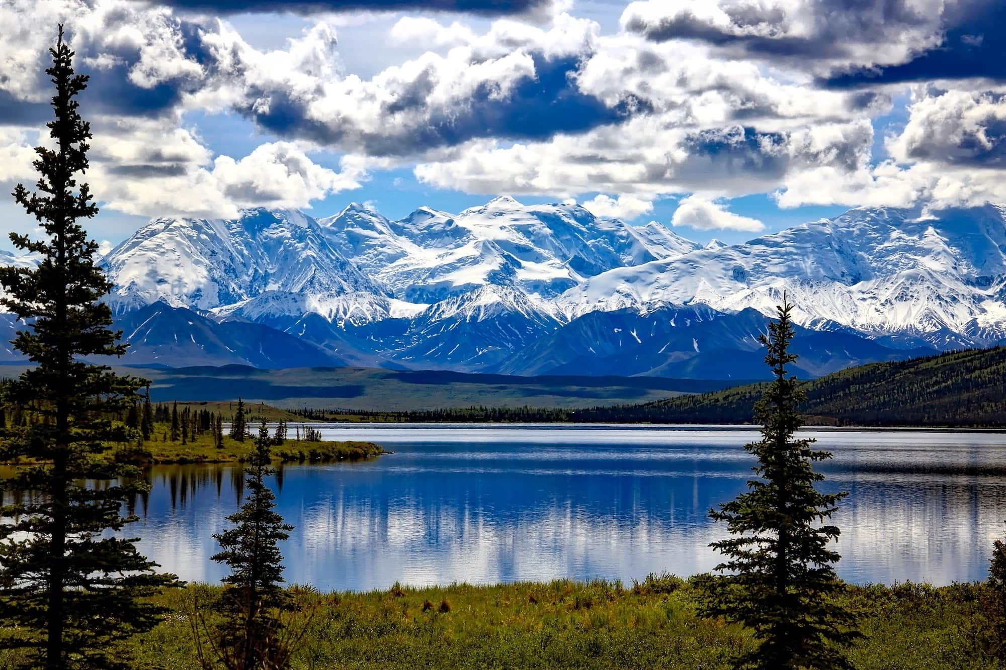 Visit Kenai Fjords & Denali National Park as well as the towns of Seward, Homer, & Anchorage in 8 days on our 1,535-mile Alaska road trip itinerary.