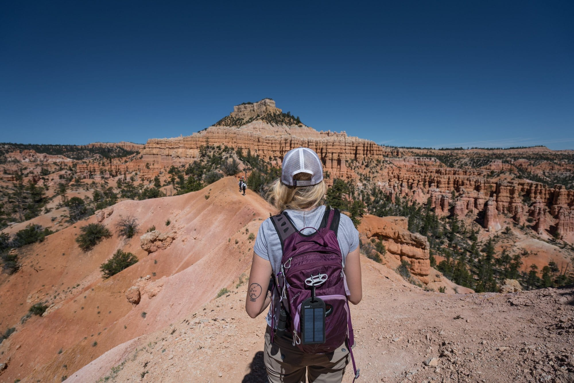 Fairyland Loop // Explore Utah National Parks in this 10-day road trip itinerary w/ the best hikes, activities & camping in Zion, Bryce, Capitol Reef, Arches & Canyonlands.
