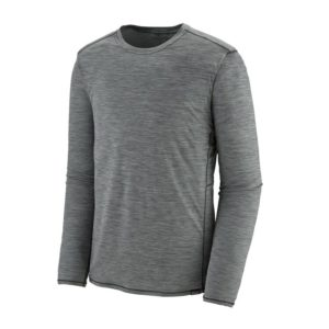 Patagonia Men's Capilene Lightweight Crew // Interested in cold-weather hiking? Learn about base layers, shells, and other winter hiking clothes with our winter outdoor apparel guide.