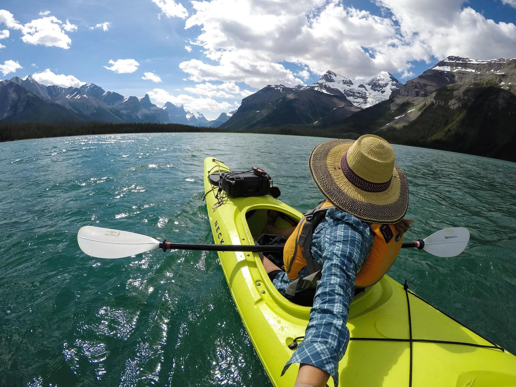 Maligne Lake Kayaking Trip in Jasper National Park