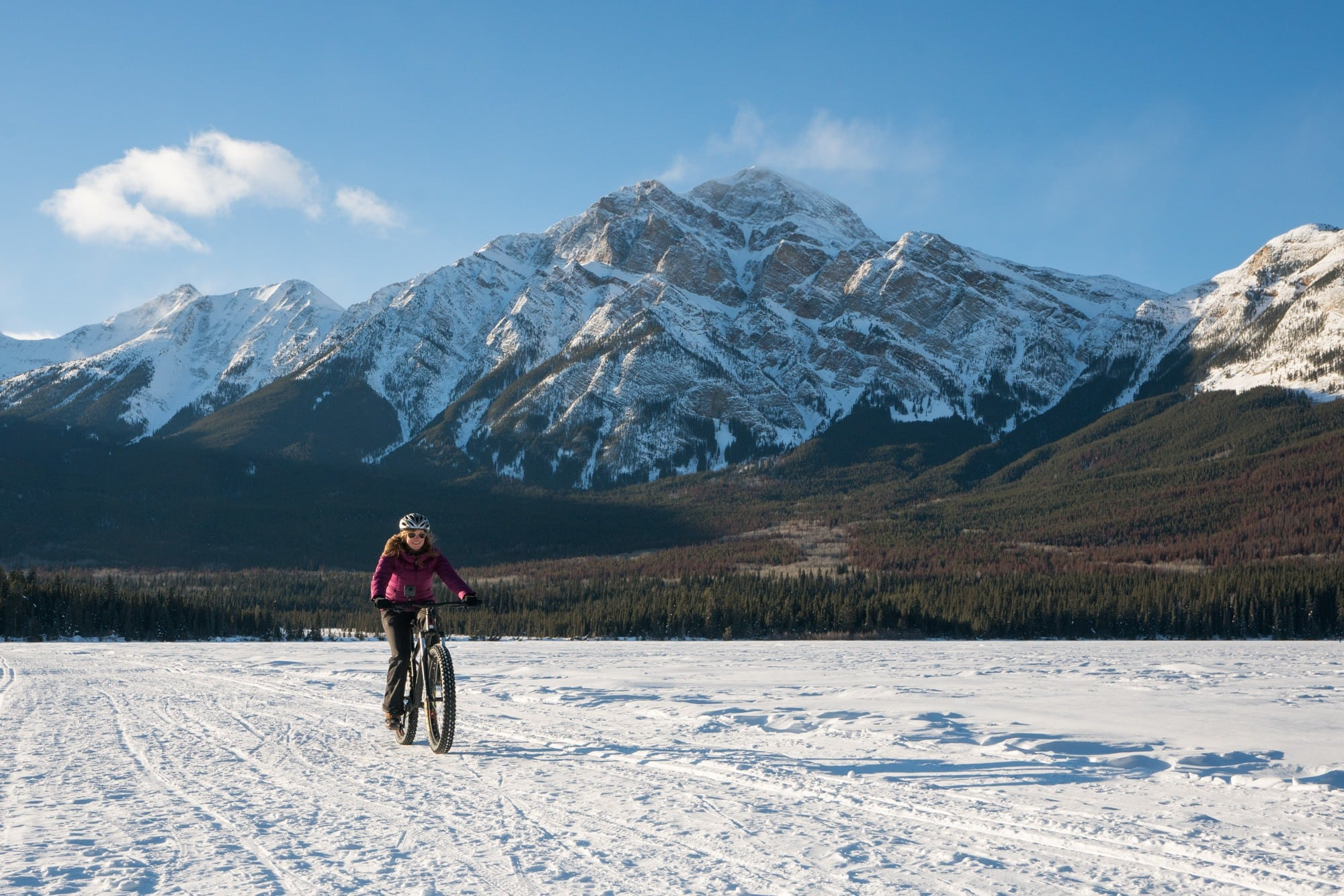 Fat Biking on Pyramid Lake // Plan the ultimate winter getaway in the Canadian Rockies. This 4-day Jasper National Park winter itinerary gives you an adventurous day-by-day plan, plus info on how to get to Jasper, the best restaurants & where to stay.