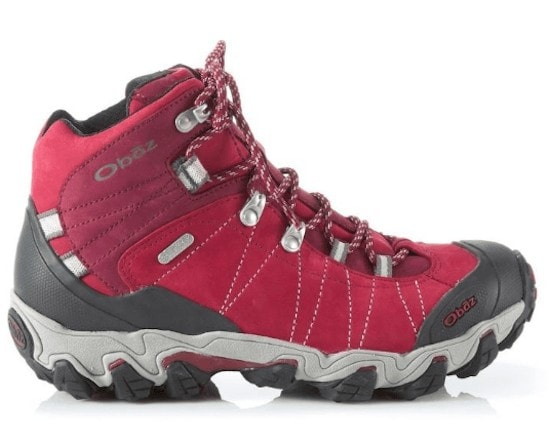Oboz Bridger Hiking Boots // Get the scoop on the best women's hiking boots a d lightweight hiking shoes and learn how to choose the best hiking boots for you.