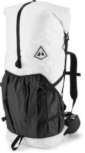 Hyperlight Mountain Gear 4400 // Get the scoop on the best backpacking backpacks for women that are comfortable and lightweight and learn how to choose the best pack for you.