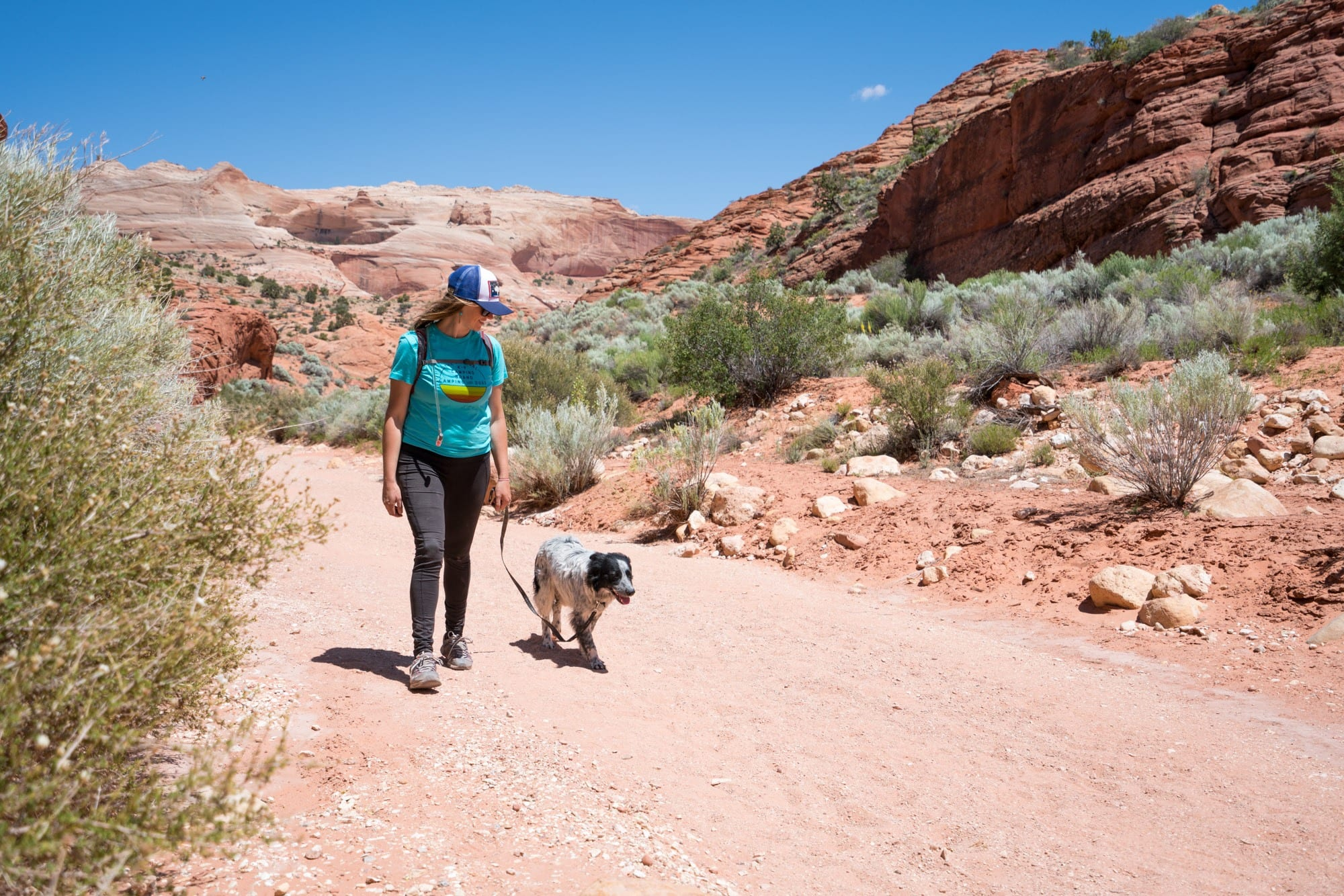 Discover the Do's and Don'ts of how to be respectful to others and to the environment while you are out on the trail. Here is a complete guide to hiking trail etiquette - the unwritten rules of hiking - that every hiker should know.