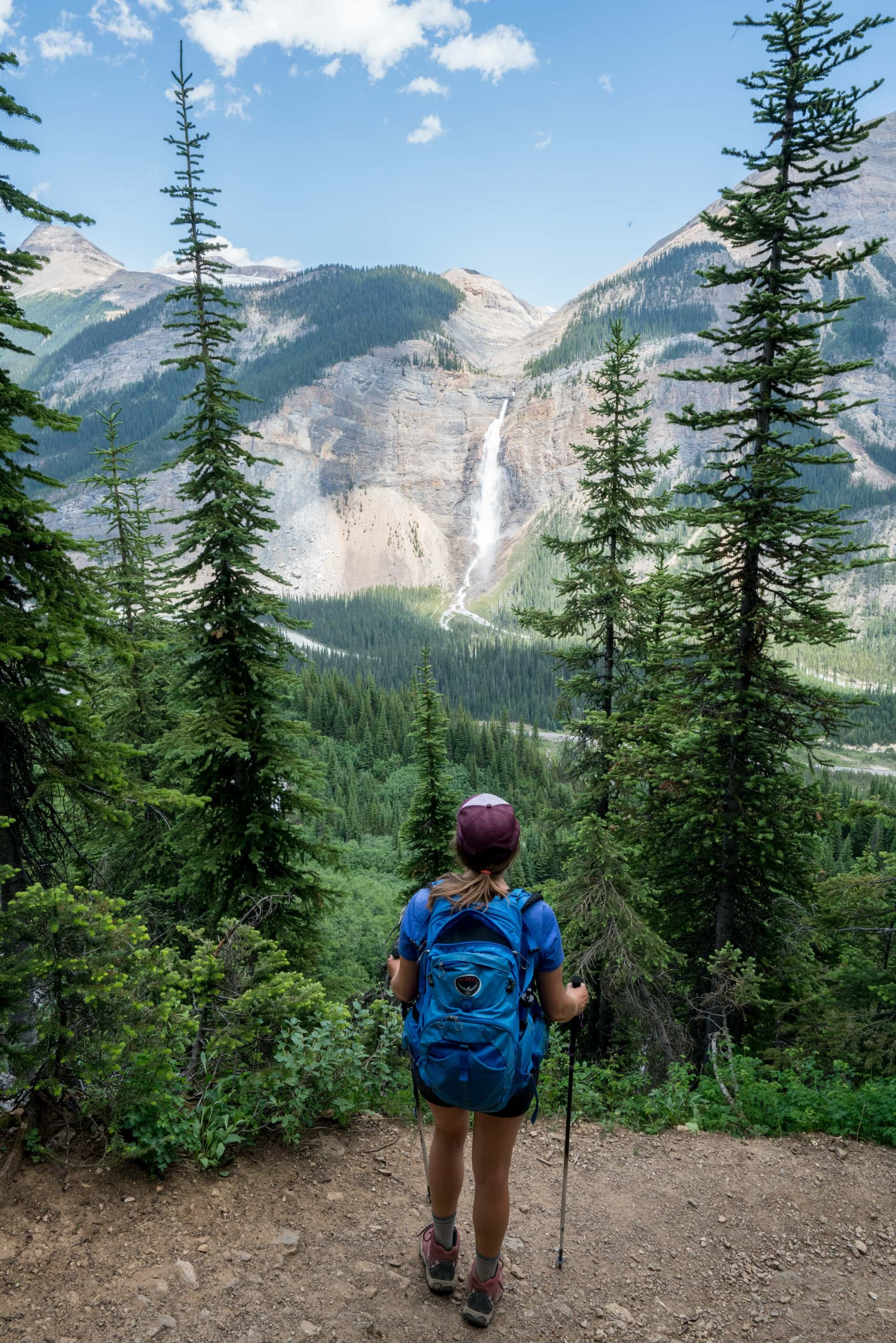 Headed out on a hike? Make sure you pack these top day hiking essentials to ensure you have fun and stay safe out on the trail.