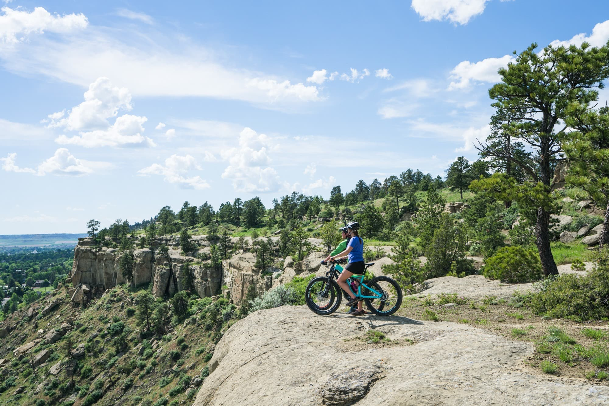 Zimmerman Park // Explore Southeast Montana with this ultimate 7-day itinerary. Hike through the Badlands, fly fish outside of Billings, Montana, and more!