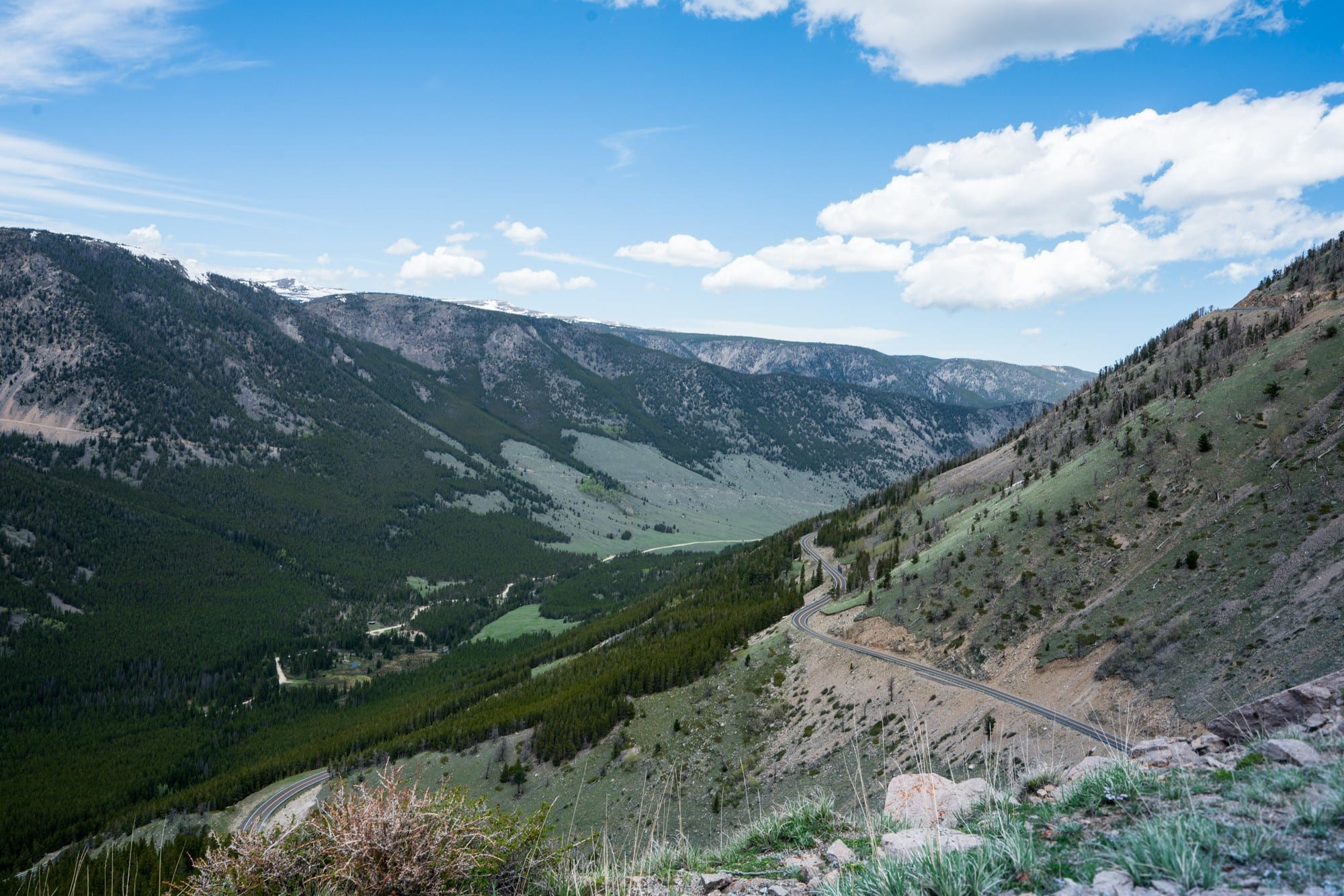 Beartooth Highway // Explore Southeast Montana with this ultimate 7-day itinerary. Hike through the Badlands, fly fish outside of Billings, Montana, and more!