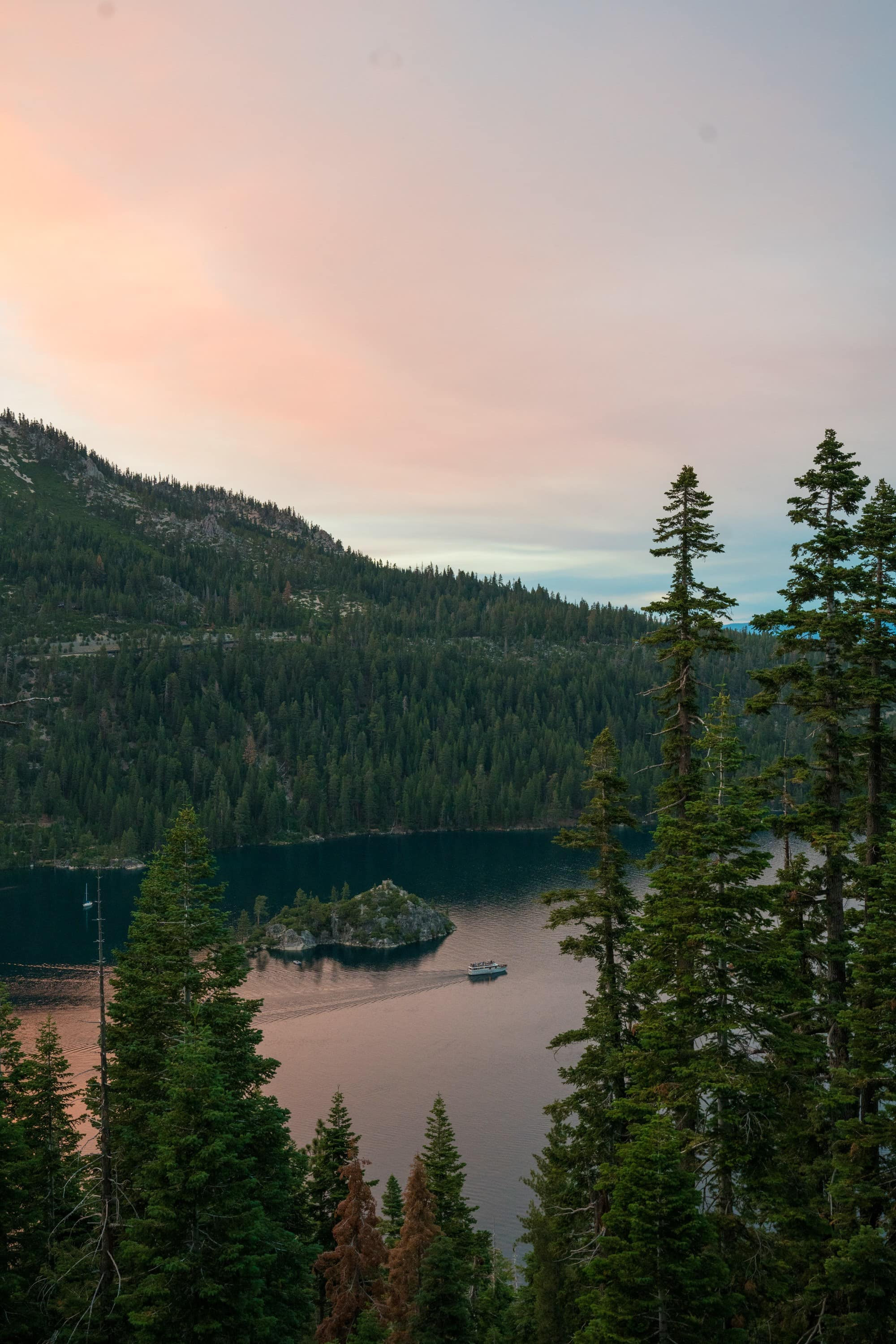 Sunset at Inspiration Point // Planning an adventure-packed vacation to Lake Tahoe? Here are 12 of the best things to do around Lake Tahoe for the outdoor enthusiast.