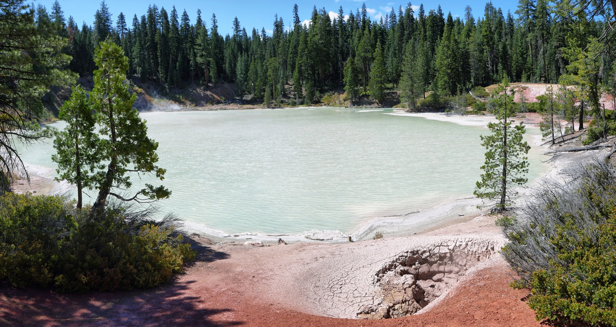 Boiling Springs Lake // one of the best hikes in Lassen Volcanic National Park