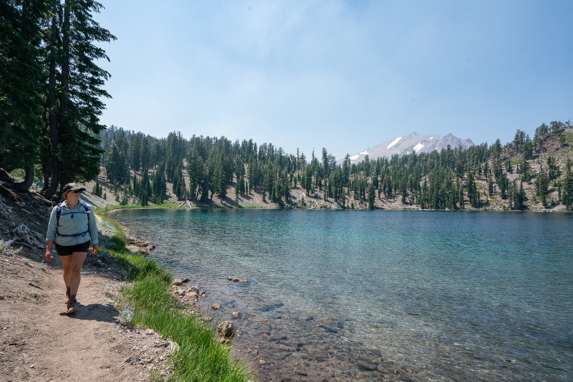 Shadow Lake // Boiling hot pots, alpine lakes, and big summits. Plan your trail adventures with our round-up of the best hikes in Lassen Volcanic Park in northern California.