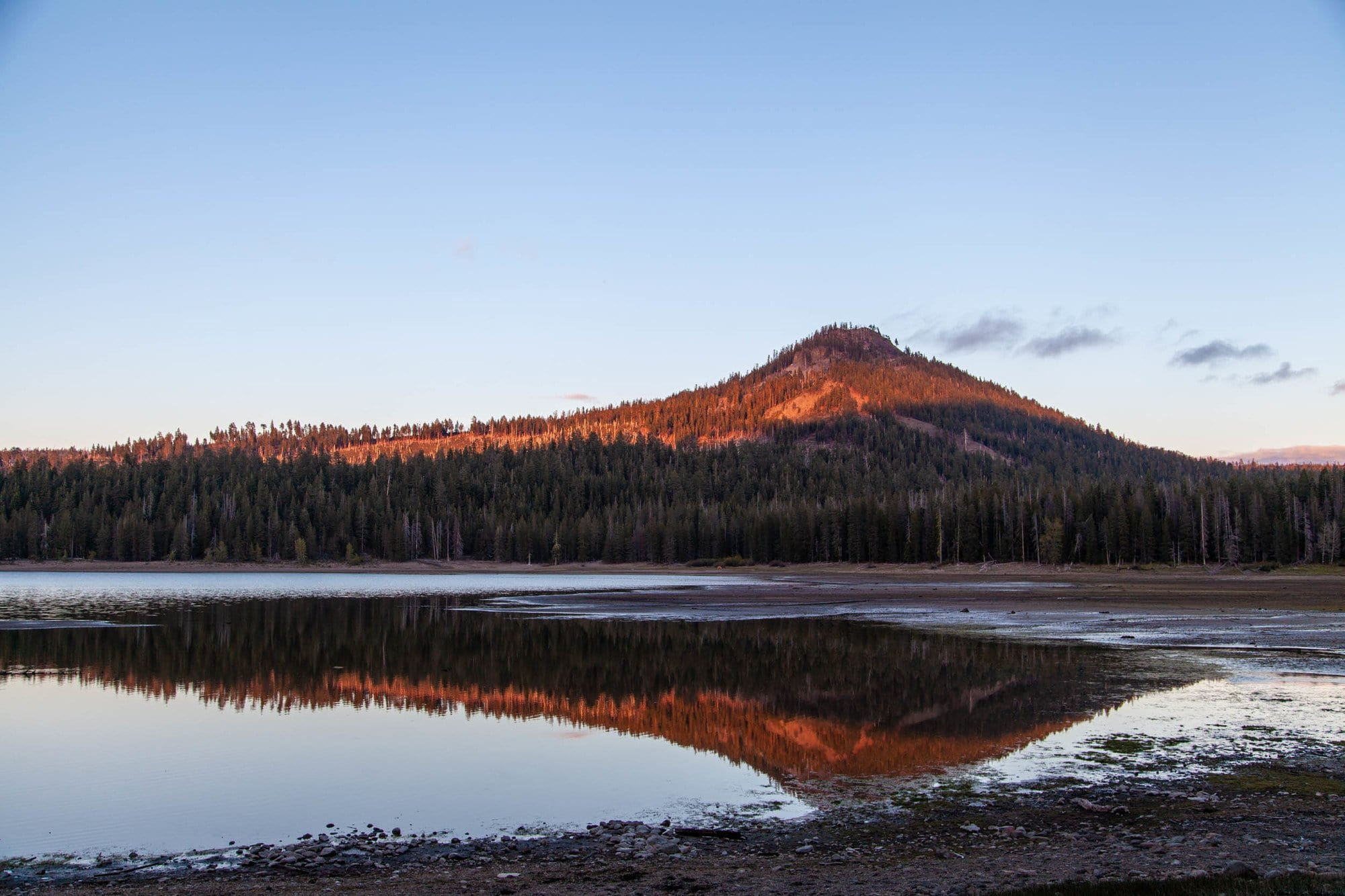 Snag Lake // Plan your Lassen National Park hikes with our roundup of the best hikes, including boiling hot pots, alpine lakes, and big summits.
