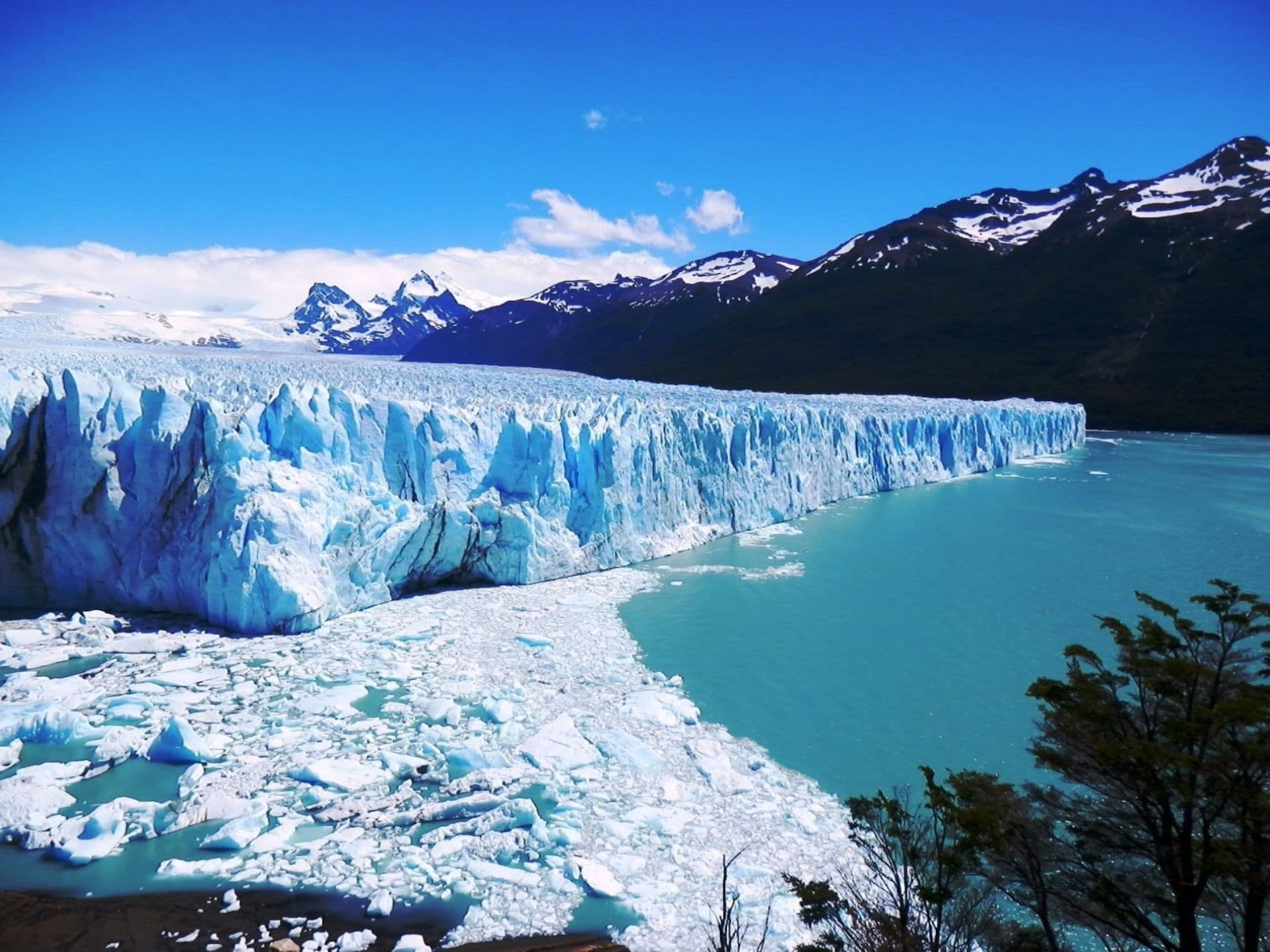Los Glaciares National Park, Argentina // Planning a trip to Patagonia? Learn about the 6 different Patagonia regions and plan your travels with our list of must-do activities in each place.