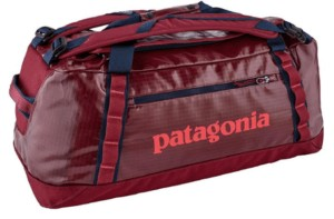 Patagonia Black Hole Duffel // Find the ultimate gifts for outdoor lovers with our 2020 holiday gift guide featuring ideas for hikers, van lifers, travelers, skiers & more.