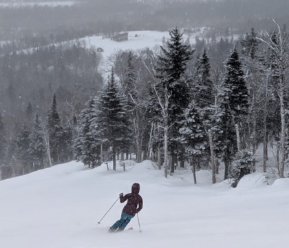 Ready to hit the slopes? Explore these 8 best New England ski resorts with epic views and perfect terrain for beginner skiers.
