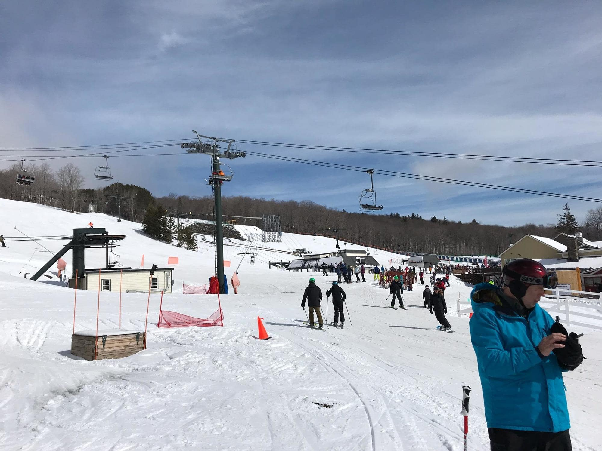 Bromley Mountain / Looking for some great East Coast ski slopes to learn to ski on? Read our list of the best New England ski resorts that are perfect for beginners.
