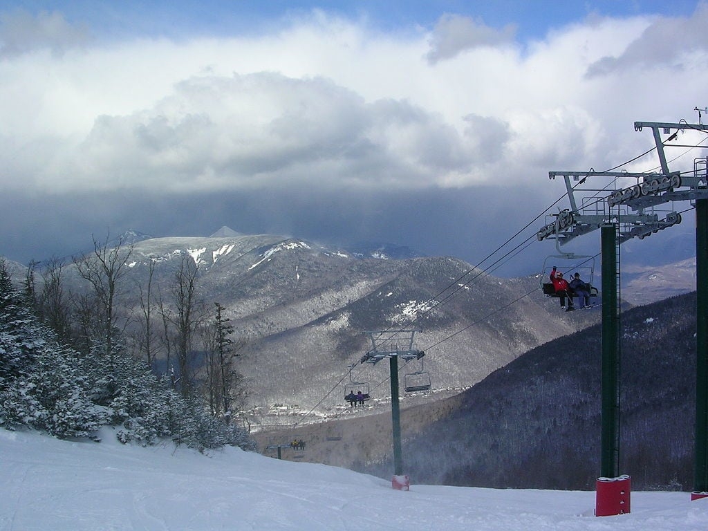 Loon Mountain / Looking for some great East Coast ski slopes to learn to ski on? Read our list of the best New England ski resorts that are perfect for beginners.