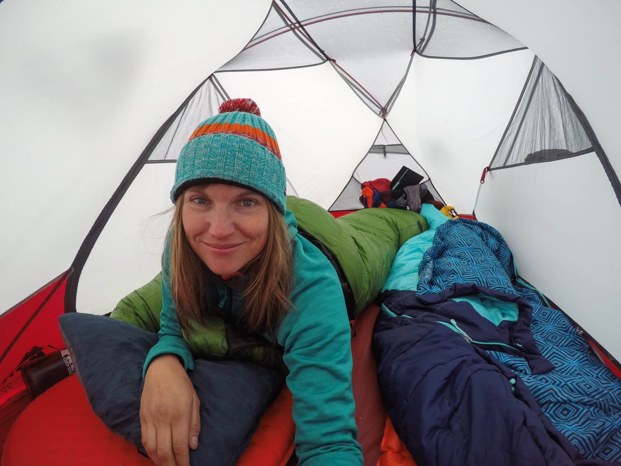 The best sleeping bags for backpacking are lightweight, warm & comfortable. Here are our favorite sleeping bags for women for a variety of budgets in 2021.