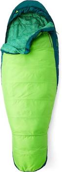 Best Budget Synthetic Sleeping Bag: Marmot Trestles 30 Sleeping Bag // The best sleeping bags for backpacking are lightweight, warm, and comfortable. Here's our favorite sleeping bags for variety of budgets.