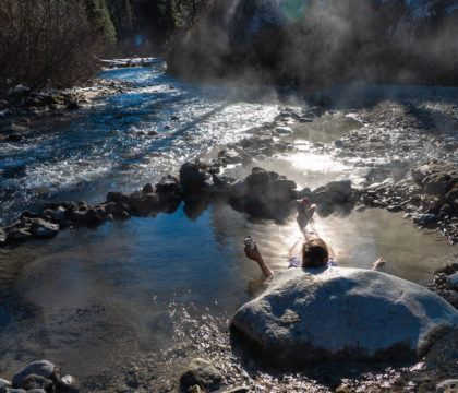 Not familiar with the rules of a good soak? Here's how to have good hot springs etiquette - including tips on noise and nudity - next time you take a dip.