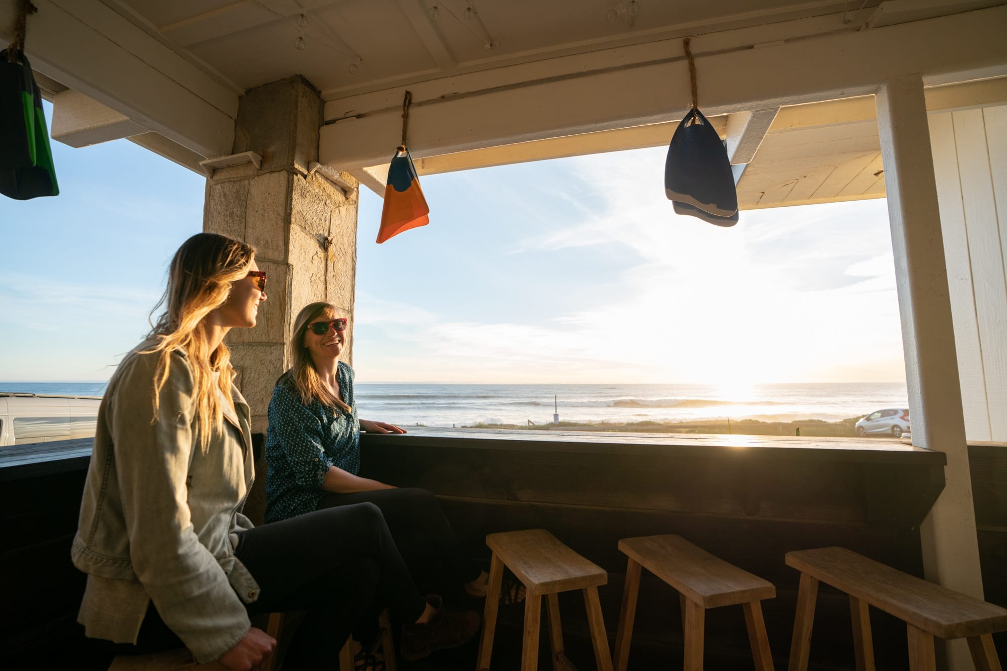 Cambria Beach Lodge // Plan a 6-day California coast road trip from Ventura to Cambria with this itinerary packed with outdoor adventure, amazing food, and unique places to stay.