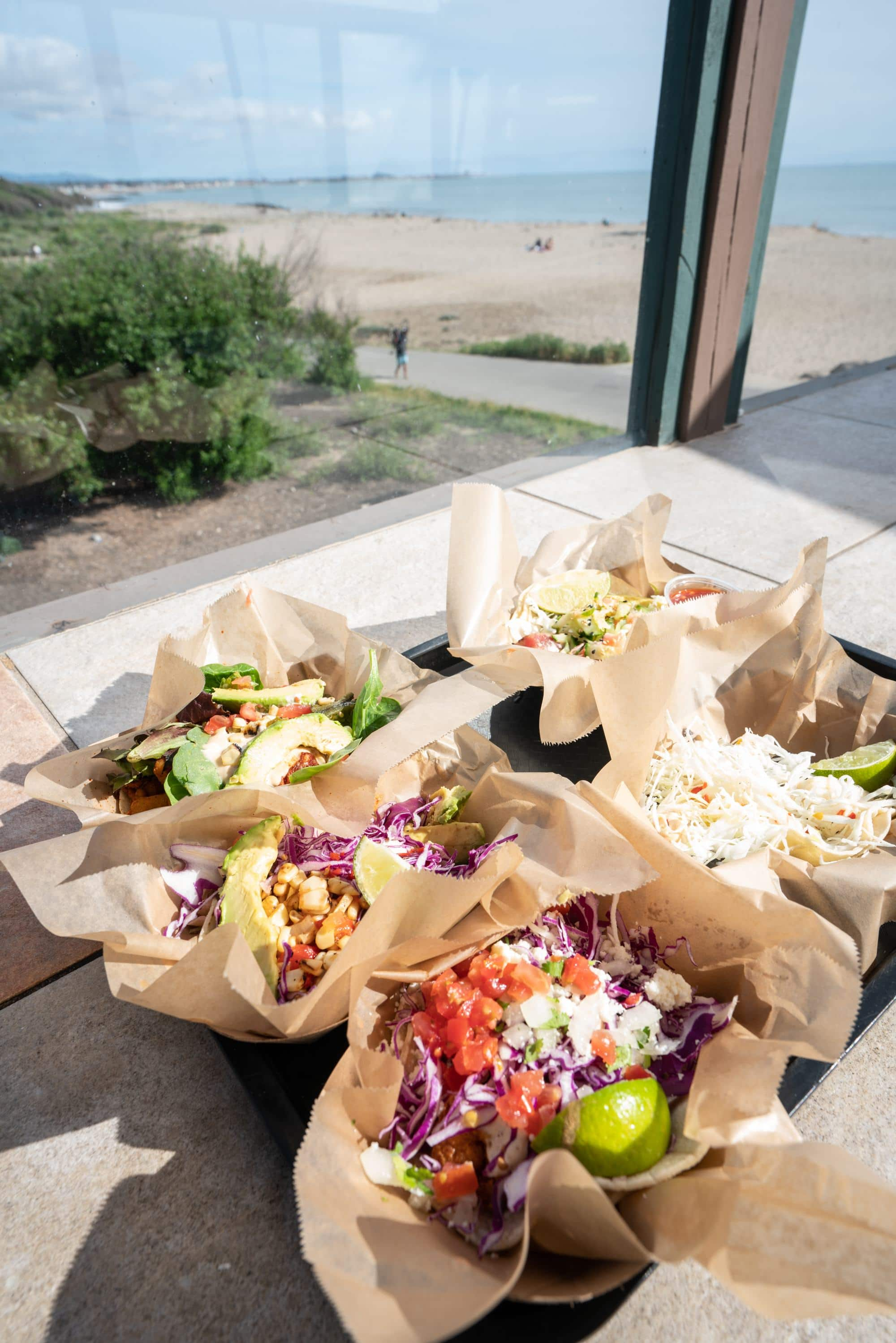 Ventura tacos // A 6 day california coast road trip itinerary that combines outdoor adventure travel and local California beach town culture.