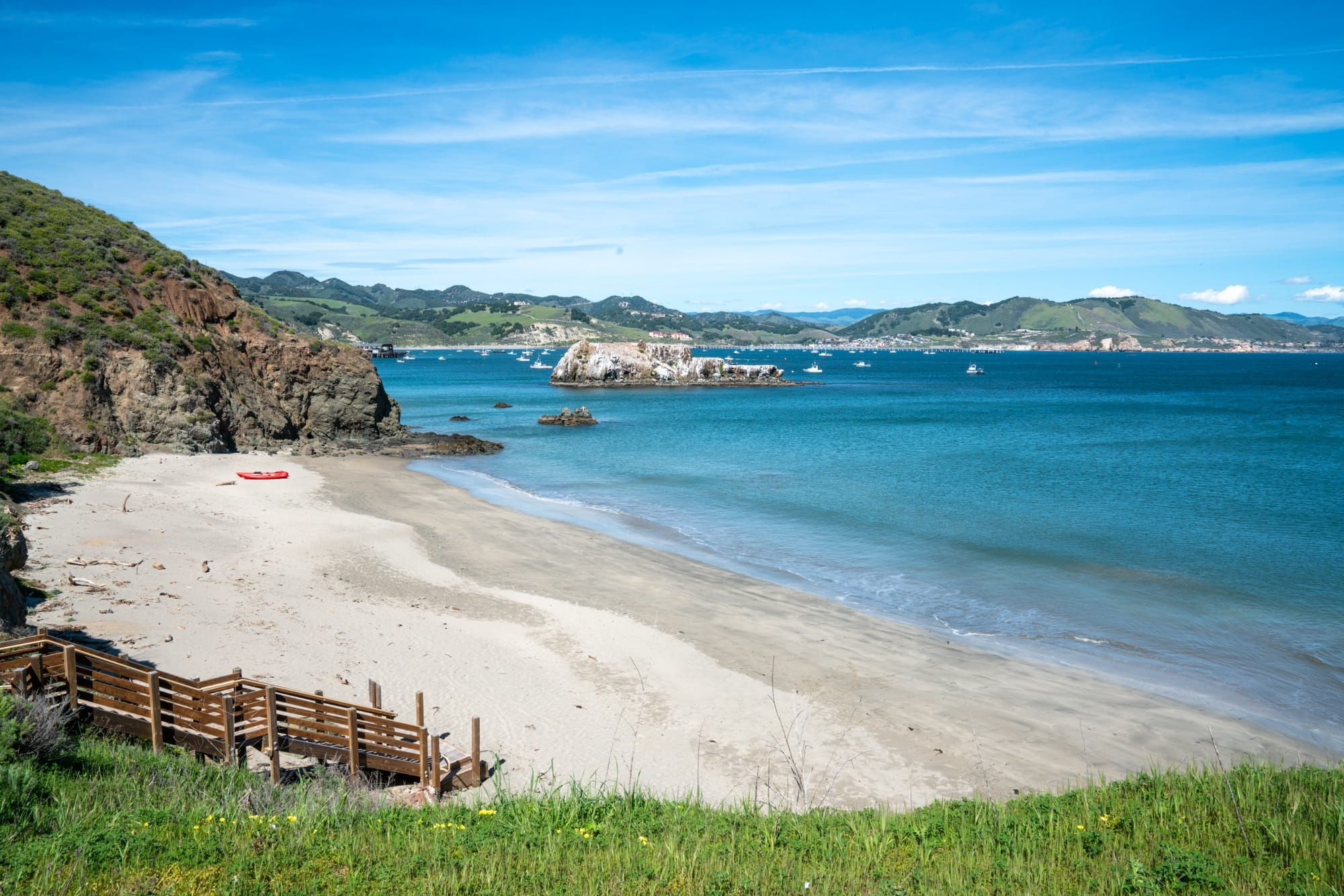Avila Beach Kayaking // A 6 day california coast road trip itinerary that combines outdoor adventure travel and local California beach town culture.