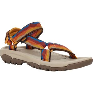 Teva Hurricane Sandal // Start packing for your next beach vacation with this beach essentials packing list. Find the best beach-worthy sandals, gear, and more!